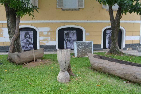 Objetos de madera de diferentes tribus Museo del Indio Rio de Janeiro