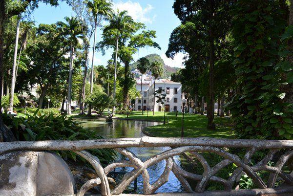 Vista de los jardines del Palacio Catete Rio de Janeiro Museo de la Republica