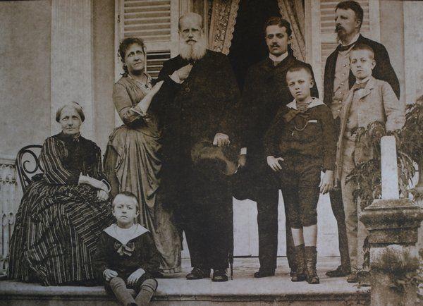 Último retrato de la familia imperial en Petropolis antes del exilio Petropolis Rio de Janeiro