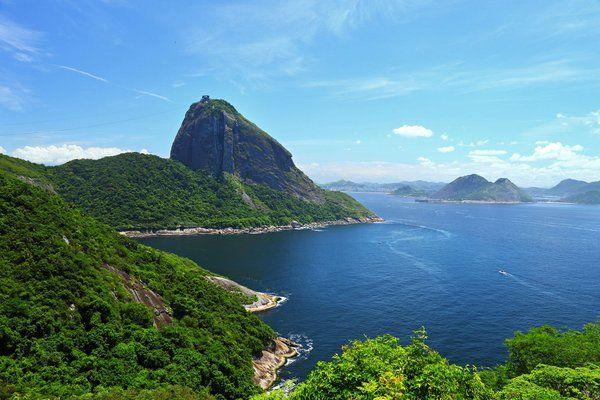 Vista del Pan de Azucar y la bahía de Guanabara desde la terraza Fuerte de Leme Rio de Janeiro fuerte duque de caxias