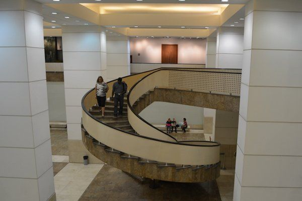 Escalera principal Caixa Cultural Rio Rio de Janeiro