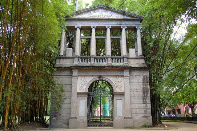 Antigua fachada de la Academia de Bellas Artes Jardin Botanico Rio de Janeiro