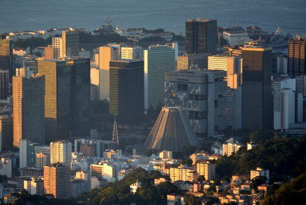 vista de la catedral metropolitana rio de janeiro