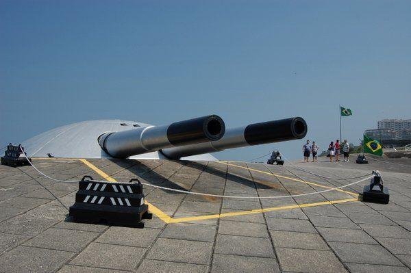 Uno de los impresionantes cañones Krupp Fuerte de Copacabana rio de janeiro
