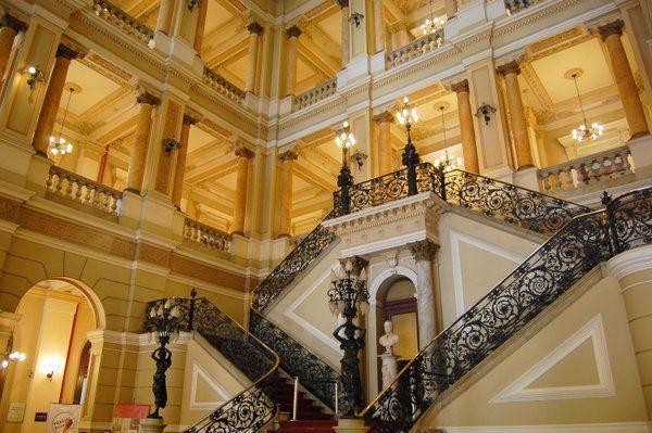 La majestuosa escalera del vestíbulo principal Biblioteca Nacional Rio de Janeiro