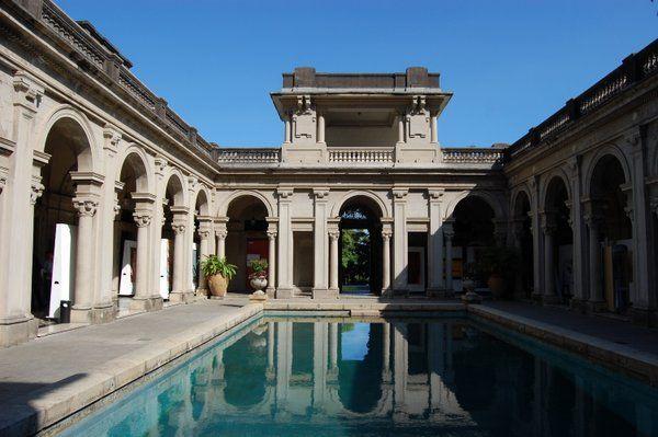 Piscina romana en el interior del palacio del Parque Lage Rio de Janeiro