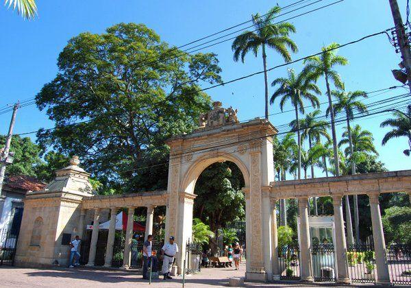 Entrada principal al Jardin Zoologico de Rio de Janeiro Quinta da Boa Vista