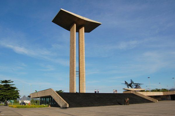 Monumento a los soldados caídos durante la II Guerra Mundial Parque do Flamengo Aterro do Flamengo Rio de Janeiro