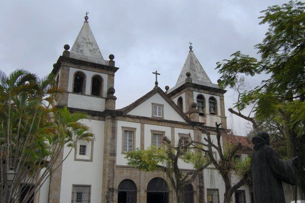 Fachada principal del Monasterio de Sao Bento Rio de Janeiro