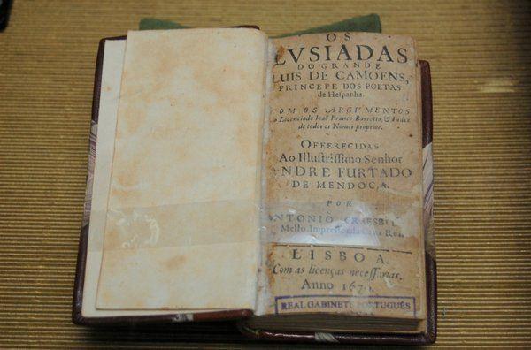 Antigua edición de Las Luisadas Real gabinete portugues de lectura Rio de Janerio