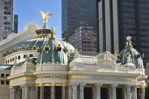 águila y cúpulas adornadas Teatro Municipal Rio de Janeiro