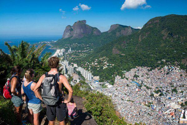 Vista de Pedra da Gávea desde el peñasco Dois Irmaos Ecoturismo y aventura en Rio de Janeiro