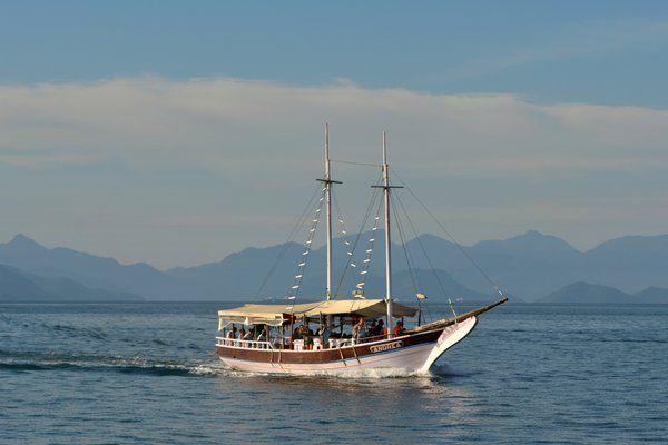 Las escunas comunican Angra dos Reis con Isla Grande ilha Grande Rio de Janeiro