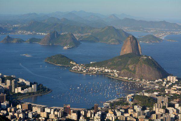 Vista de la Playa de Botafogo y el Pan de Azúcar tomada desde el Corcovado Rio de Janeiro