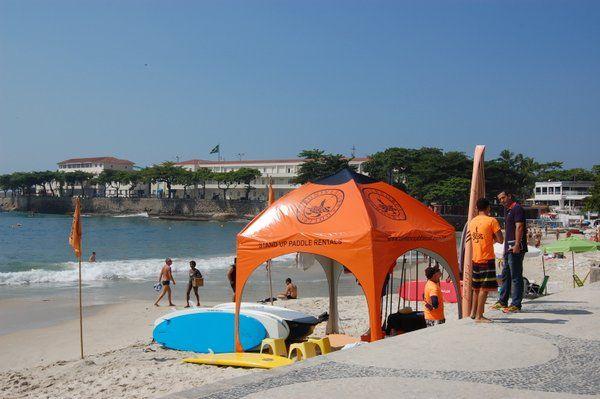 Kiosco de Universo Paddle Surf en Copacabana stand up paddle rio de janeiro