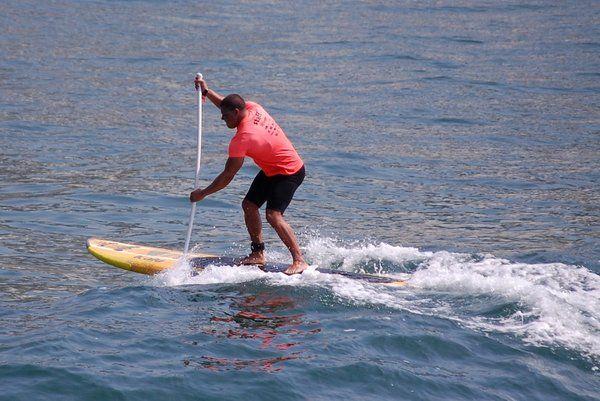 El remo ofrece más estabilidad a la hora de surfear las pequeñas olas stand up paddle rio de janeiro