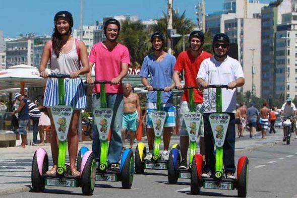 Circulando en segway por la orla de Copacabana Segway en Rio de Janeiro