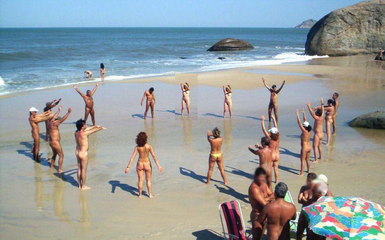 abrico primera playa nudista en Rio de Janeiro