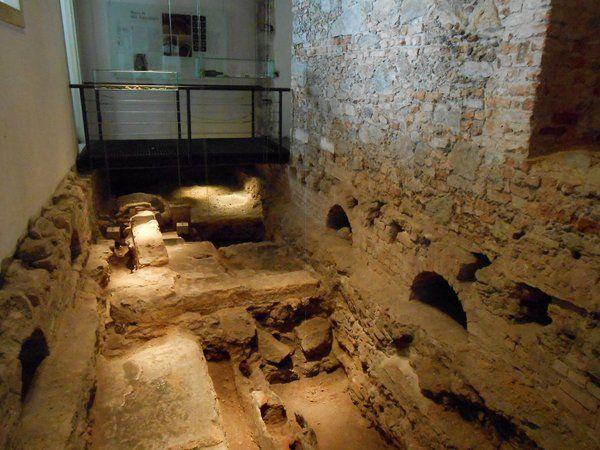 Restos arqueológicos iglesia nossa senhora do carmo rio de janeiro