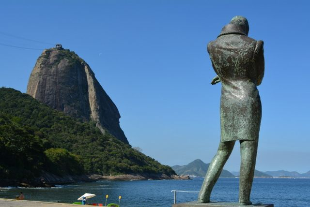 Estatua de Frederic Chopin en Playa Vermelha Rio de Janeiro