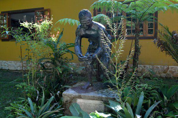 Monumento homenaje a los 11 esclavos que reforestaron la Floresta da Tijuca Rio de Janeiro