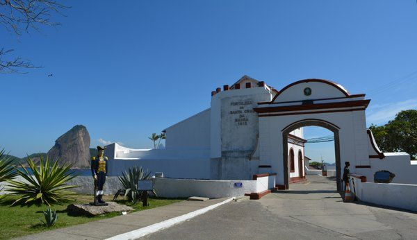 Puerta de entrada a la Fortaleza de Santa Cruz Niteroi Rio de Janeiro