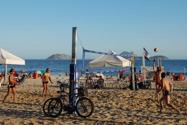 Voley-playa en playa de Ipanema rio de janeiro