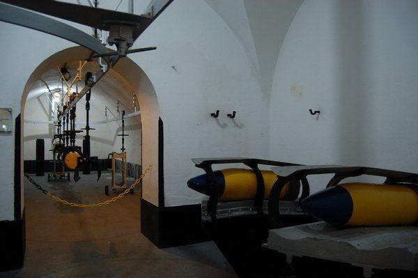 Sistema de rieles para transportar la munición Fuerte de Copacabana Rio de Janeiro