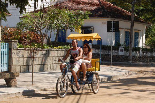 Los ecotaxis son muy usados por los locales Isla de Paqueta Rio de Janeiro