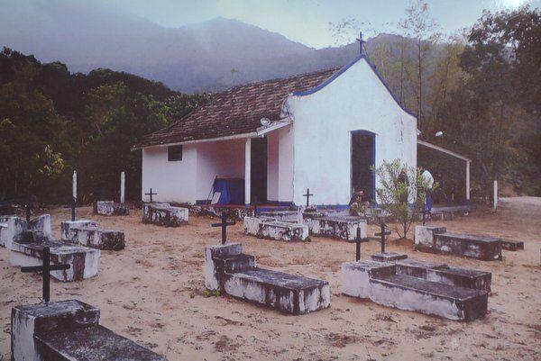 Iglesia de Santana y cementerio de piratas Isla Grande Ilha Grande Rio de Janeiro