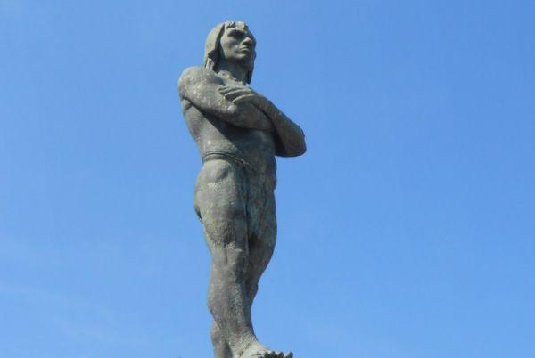 Monumento al cacique Araribóia Niteroi Rio de Janeiro