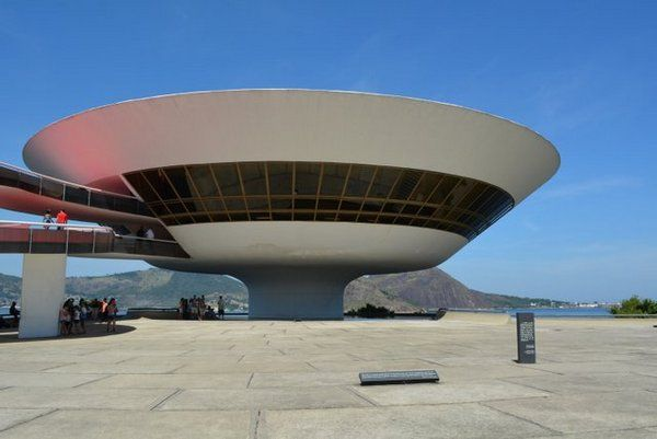 Museo Contemporáneo de Rio diseñado por Oscar Niemeyer Niteroi MAC Niteroi Rio de Janeiro