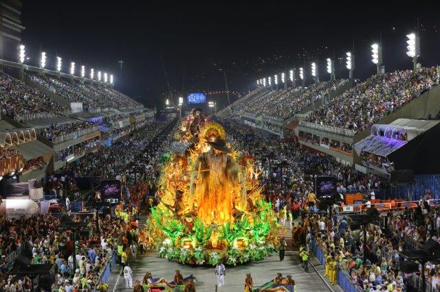 Desfile en el Sambódromo Carnaval de Rio de Janeiro
