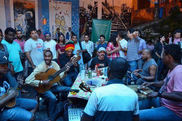 barrio de gamboa Rio de Janeiro rodas de samba en Pedra do Sal