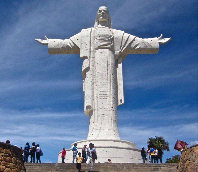 cristo de la concordia cochabamba - cristo de rio de janeiro y otros cristos parecidos en el mundo