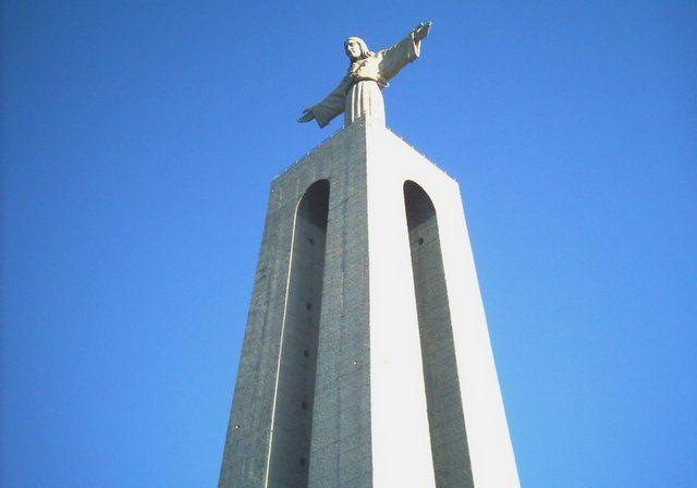 cristo rei de lisboa - cristo de rio de janeiro y otros cristos parecidos en el mundo