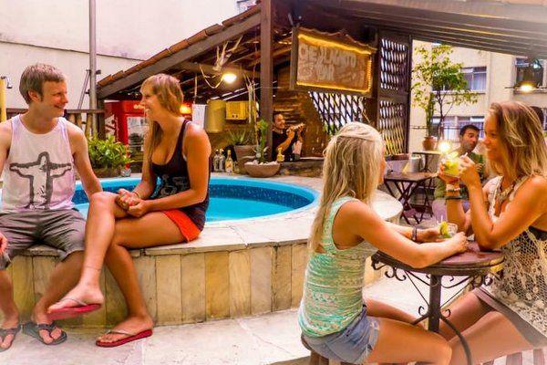 Che lagarto hostel copacabana hoteles con piscina en copacabana