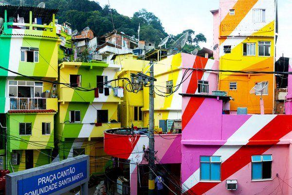 Arte urbano en rio de janeiro favela santa marta