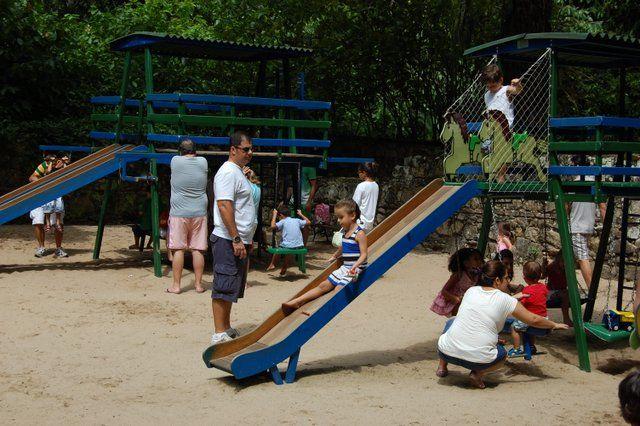 juegos infantiles en el jardin botánico río de janeiro con niños