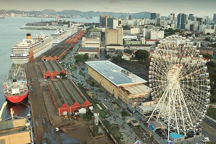 Vista de Rio Star junto al AquaRio en la zona portuaria de Río de Janeiro
